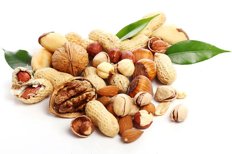 nuts-hazelnuts-almonds-walnuts-pistachios-peanuts